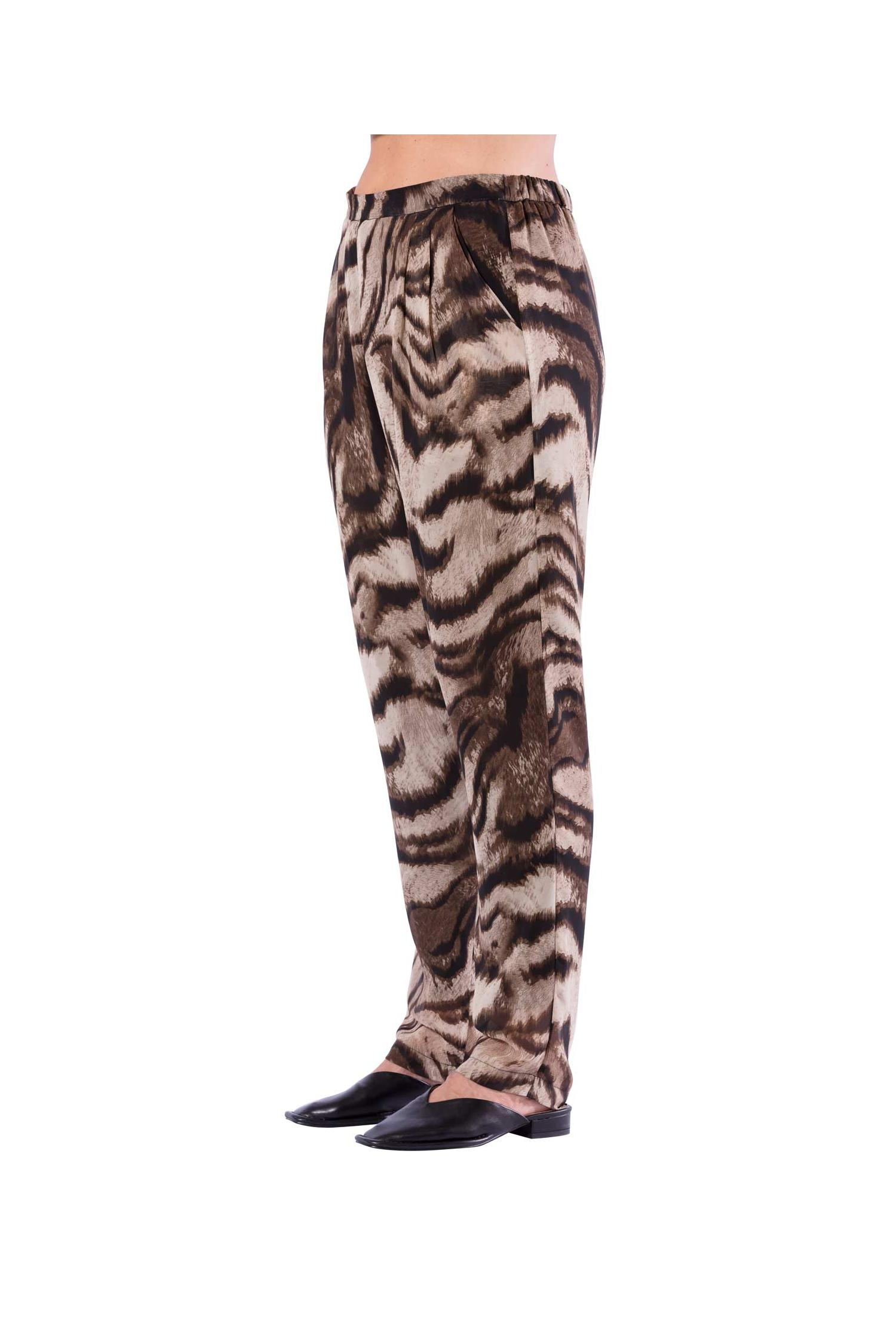 Trousers with bold animal print