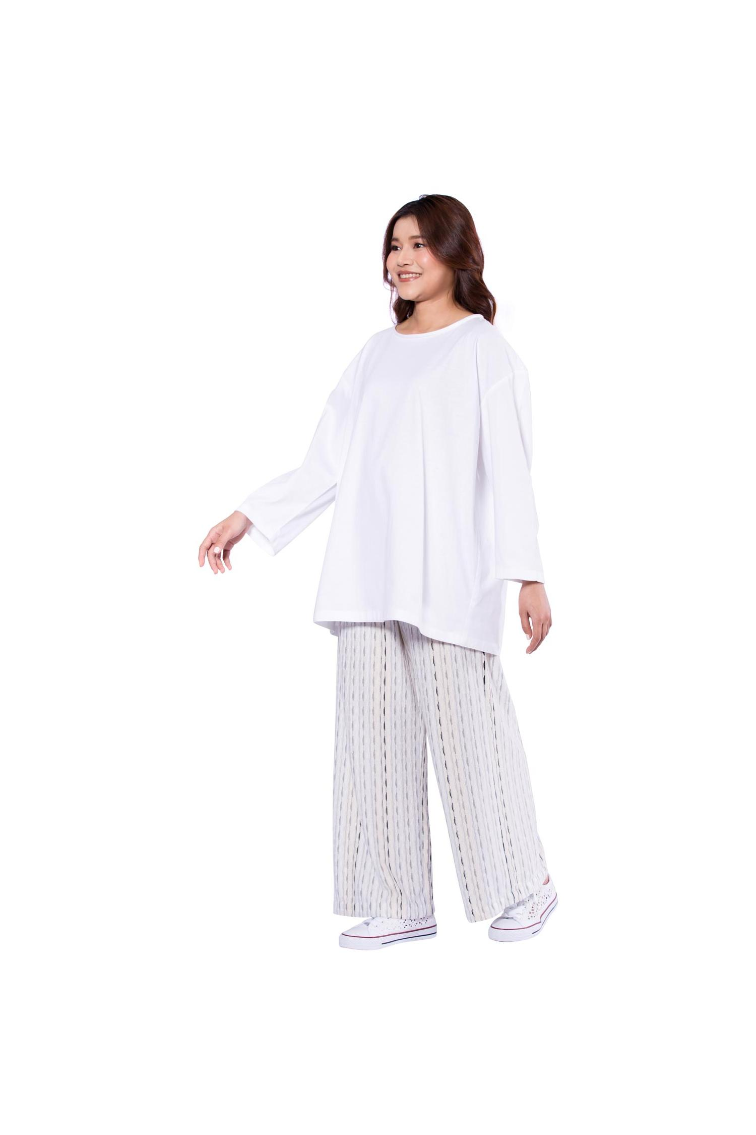 Relaxed fit white cotton top